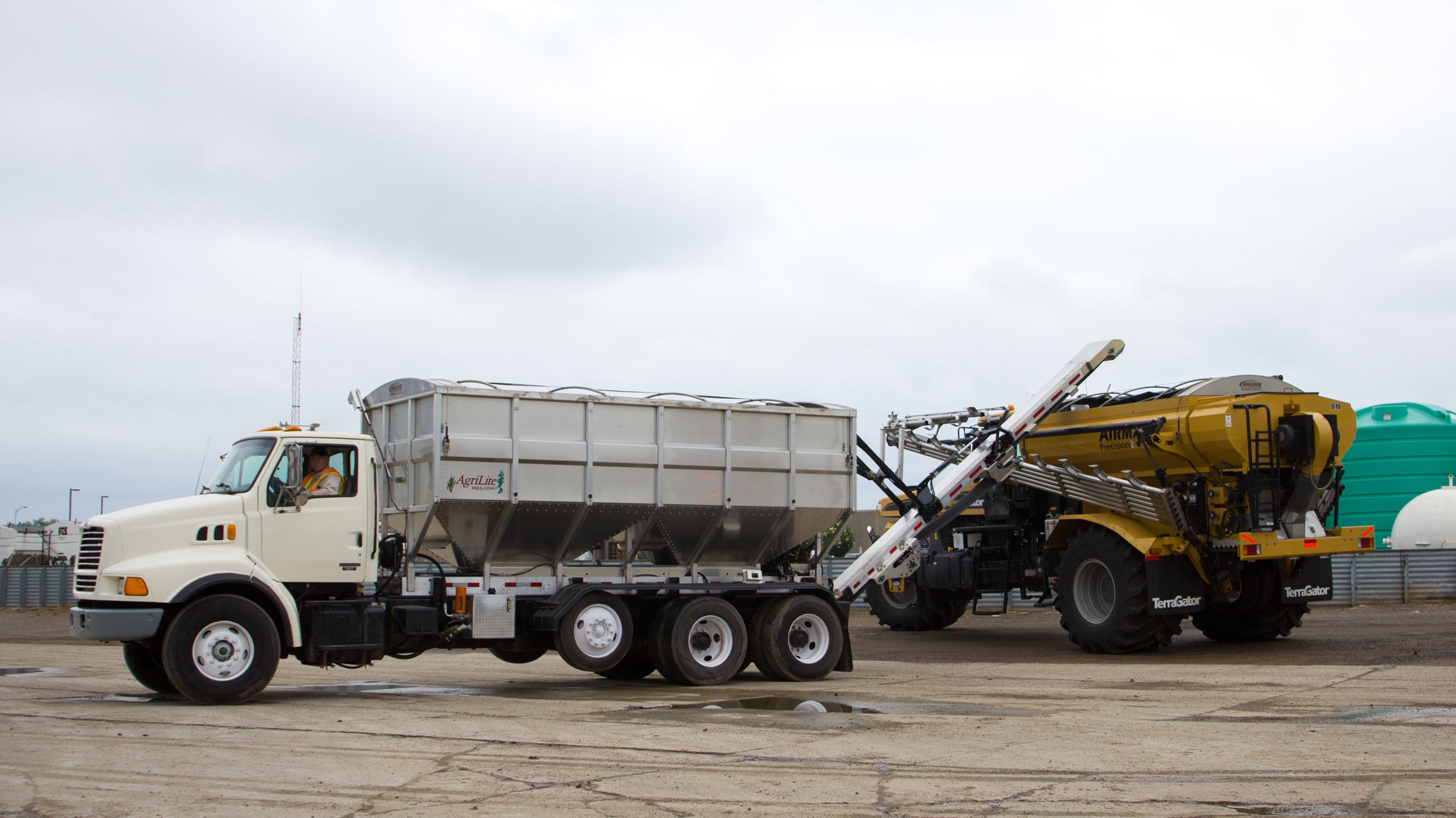 Seed & Fertilizer Tender — AgriLite Trailers